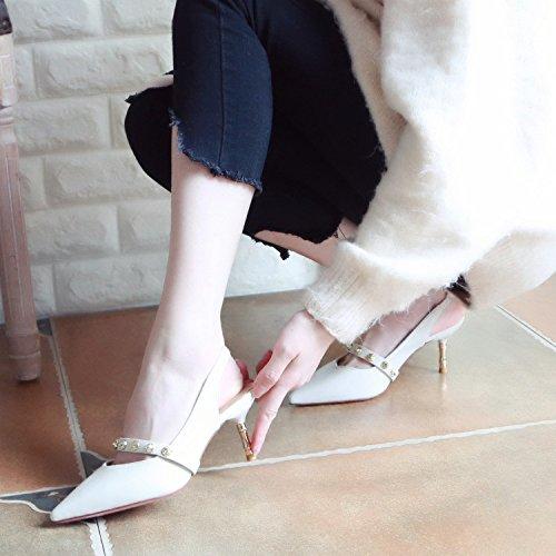 Xue Qiqi Gerichtshof Schuhe Frauen Schuhe mit Hohen Absätzen Nieten Flachen Mund Schuhe Hingewiesen mit Einzelnen Schuhe Frau stolperte