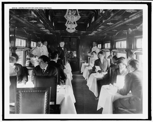 Photo: Dining car,deluxe overland limited train,passengers,railroads,interiors,1910 ()