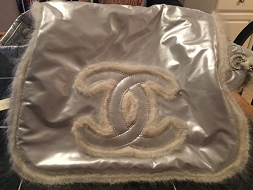 Price comparison product image Chanel shimmery silver with white rabbit fur