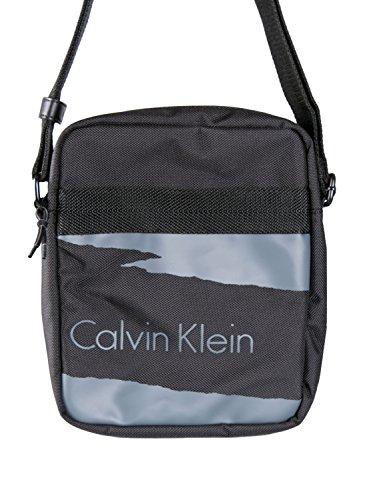 Calvin Klein–Bolsa de deporte para hombre (correa para hombro, Cooper Reporter negro