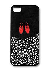 Red Shoes and White Triangles Pattern Black Hard Plastic Back Cover Case for Iphone 5/5s.(085)