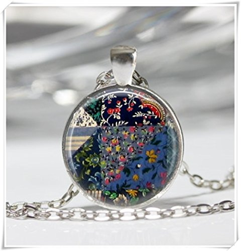 (Magical magnet Quilt Necklace Sewing Necklace Wearabel Art Jewelry Gift for Quilter Sewing Jewelry)