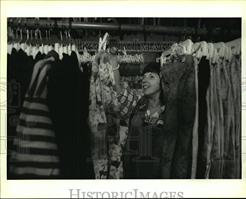1992 Press Photo Donna Guidry  Graduate Of The Workshop  Now Works At T J  Maxx