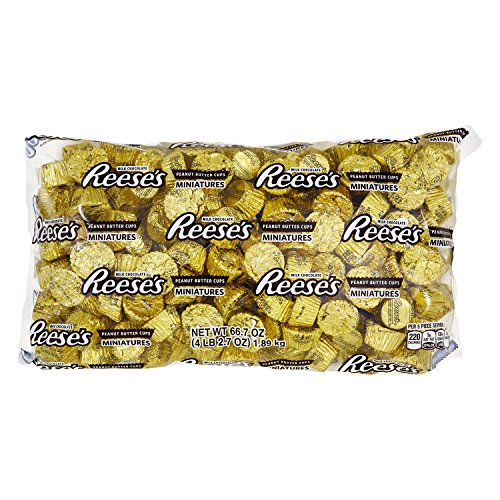 REESE'S Peanut Butter Cup Miniatures, Gold Chocolate Candy, 66.7 Ounce Bulk Bag (About 205 Pieces) ()