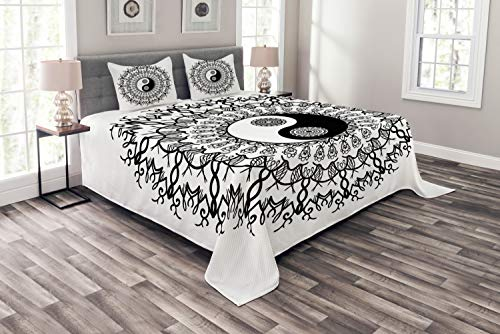 Ambesonne Ying Yang Bedspread Set King Size, Vintage Yin Yang Mandala Pattern Ethnic Motivational Oriental Bohemian Design, 3 Piece Decorative Quilted Coverlet with 2 Pillow Shams, Black White ()