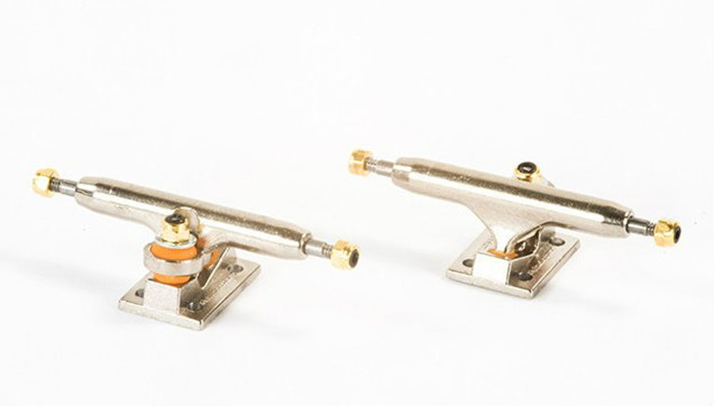 Blackriver Super Silver Wide 2.0 Fingerboard Trucks - 32mm by Blackriver Ramps (Image #1)
