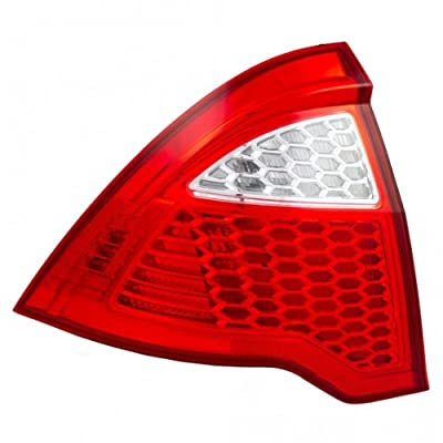 OE Replacement Ford Fusion Driver Side Taillight Lens/Housing (Partslink Number FO2818147): Automotive