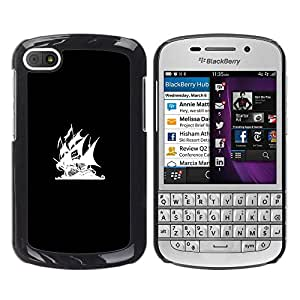 iKiki Tech / Estuche rígido - Bandera Pirata Bay - BlackBerry Q10