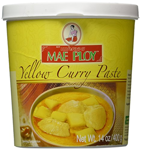 (Mae Ploy Thai Yellow Curry Paste - 14 oz jar)