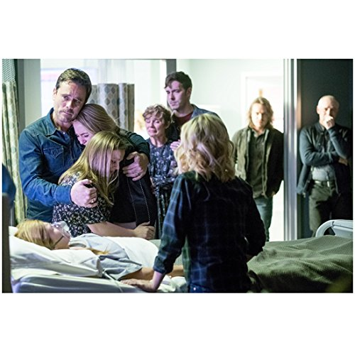 Nashville (TV Series 2012 - ) 8 inch by 10 inch PHOTOGRAPH Cast Gathered Around Connie Britton's Hospital Bed kn