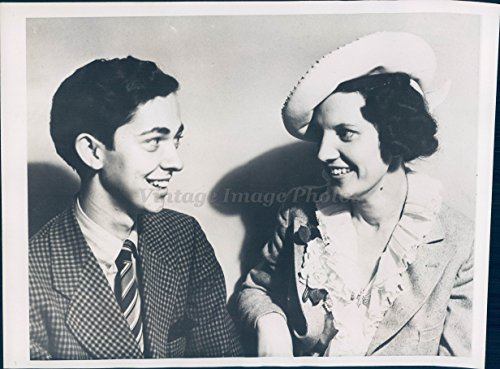 1938 Photo Bill Lawrence Movie Actor Detective Mrs Harry Gross Actress CA (1938 Vintage Movie Photo)