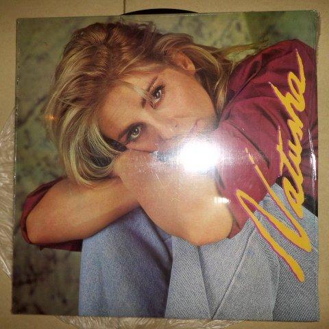 Natusha, Sello: EMI – EMI-50047 Formato: Vinyl, LP, Album País: Venezuela Fecha: 1993 Género: Electronic, Latin, Pop Estilo: Merengue, Latin, Lambada