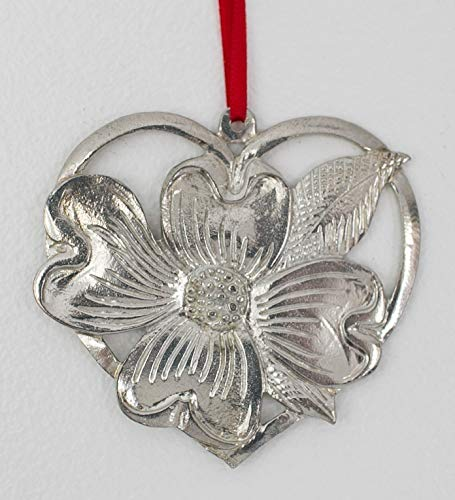 (653 Dogwood in Heart Ornament)