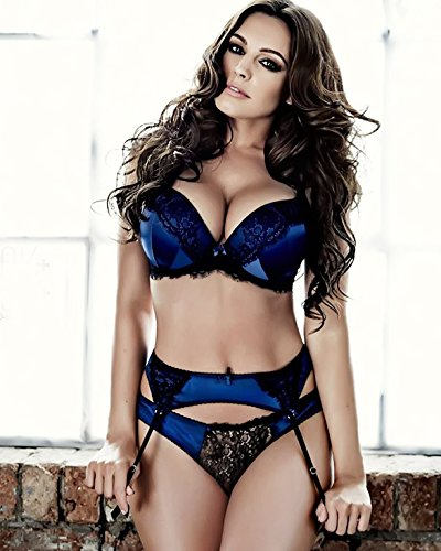 Kelly Brook Sexy Hot Posing in Lingerie 8 inch x 10 inch PHOTOGRAPH (Lingerie England)