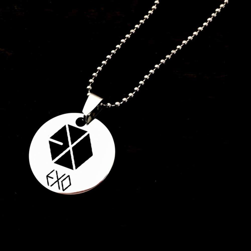 Bestomrogh Kpop BTS GOT7 Twice//MAMAMOO Pendentif Logo de l/équipe//Collier Pendentif Carr/é EXO//Black Pink//Monsta X Collier Pendentif en Acier Inoxydable//Velours