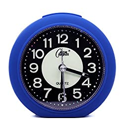 OSMOFUZE Mini Fluorescent Bedroom Alarm Clock, Silent Non Ticking Analog Small Lightweight Quartz Alarm Clock with Light, Battery Operated (Navy Blue, Round)