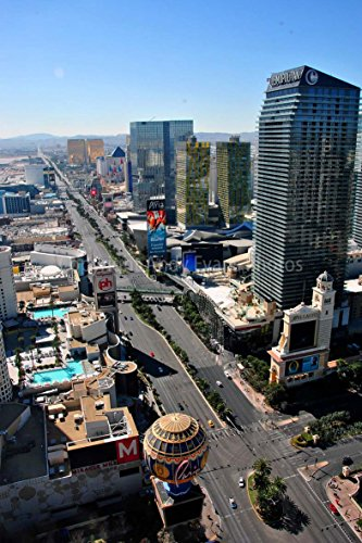 Las Vegas Strip Photograph a 12