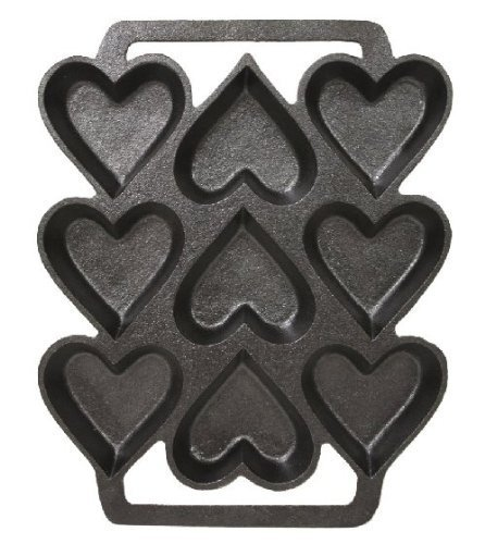 amazon com sci scandicrafts cast iron heart shaped cake pan 9 x