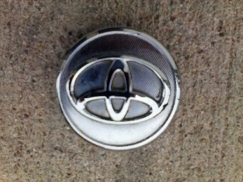 OEM TOYOTA YARIS COROLLA PRIUS 2005-2011 WHEEL CENTER CAP HUBCAP 42603-02220 (Toyota Tires Yaris)