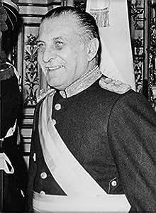 Vintage de la foto de Roberto Eduardo Viola en un retrato.