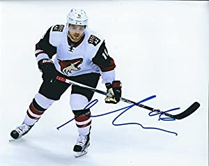 Autographed Max Domi 8x10 Arizona Coyotes Photo