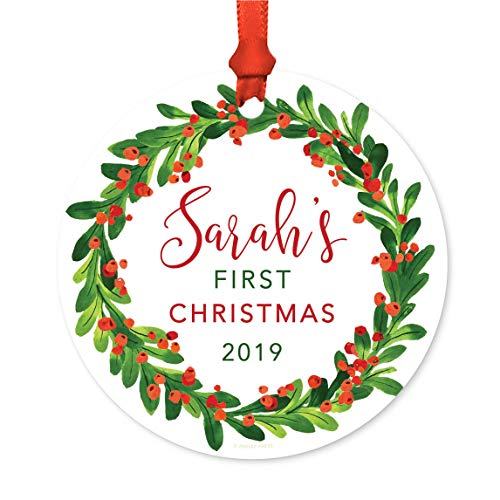 Andaz Press Personalized Baby 1st Christmas Round Metal Ornament, Sarah's First Christmas 2019, Red Green Holiday Wreath, 1-Pack, Includes Ribbon and Gift Bag, Custom Name
