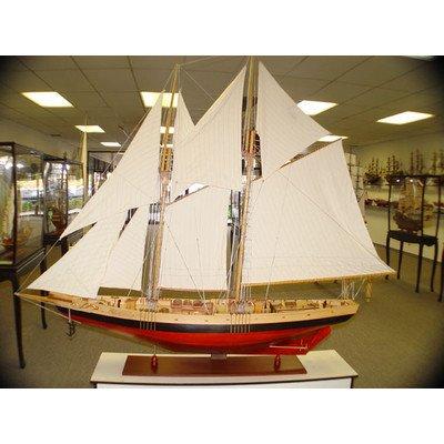 Old Modern Handicrafts Y074 Bluenose II XL Model Boat