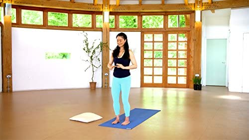 Yoga and Qigong with Mimi Kuo-Deemer: Amazon.es: Mimi Kuo ...