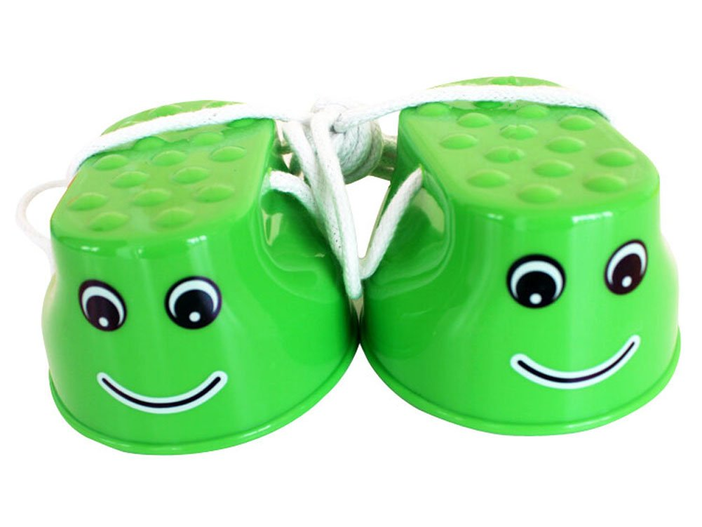 PANDA SUPERSTORE Outdoor Sports Toys Smiley Face Stilts 1 Pair Green by PANDA SUPERSTORE