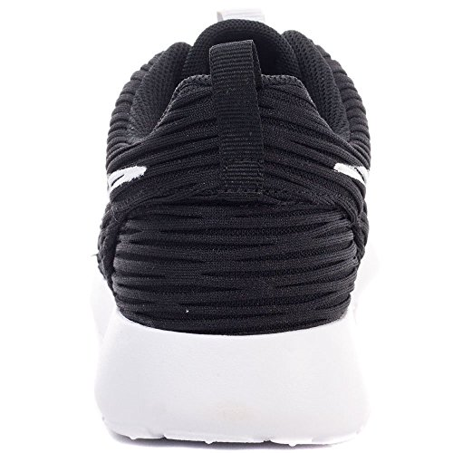 Nike Womens Roshe En Eng Textil Tränare Svart Vit