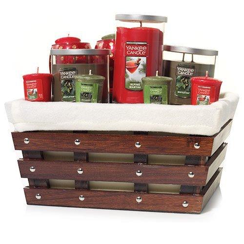 Yankee Candle LARGE Wooden Slat Christmas Basket Gift Set...
