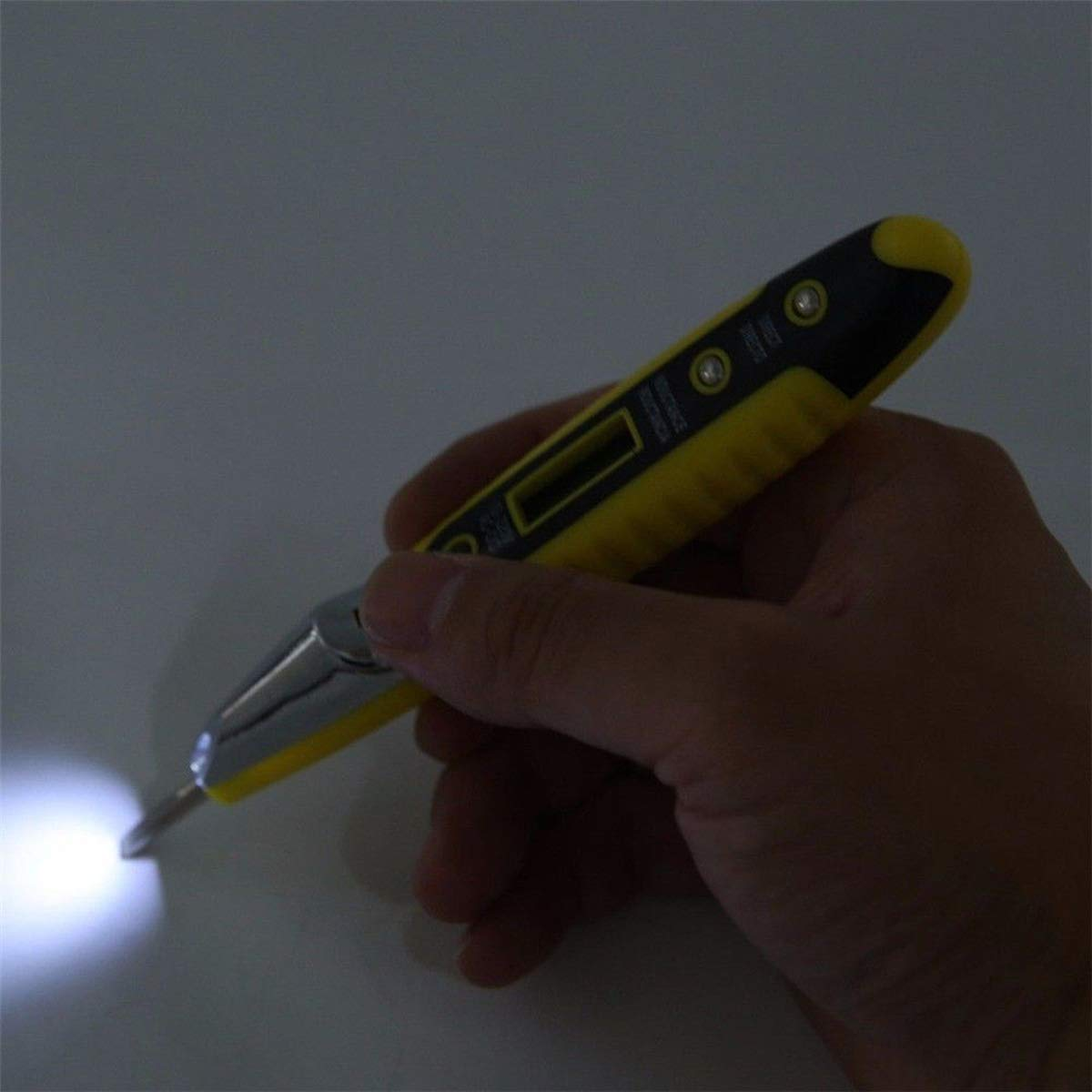 AC//DC Non-Contact LCD Electric Test Pen Voltage Digital Detector Tester with LED Light 12~220V