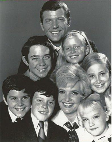 - The Brady Bunch cast 8x10 inch Photo