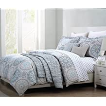 Bedding 3 Piece Full / Queen Duvet Cover Set Round Floral Lace Scroll Medallion Pattern in Shades of Green and Gray on White