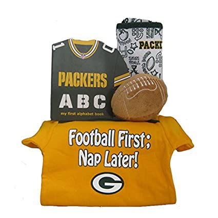 new concept 66c41 a0b5c Amazon.com : Green Bay Packers Baby Gift Set ***4th and GOAL ...