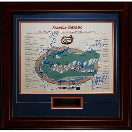 1a4dd7e273f Amazon.com: 2006-07 Florida Gators Team Autographed Final Four ...