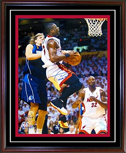 Signed Dwyane Wade 16x20 Picture - with