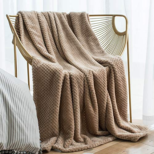 LEWONDER Throw Blanket, Flannel Plush Soft Blanket, Light Weight Warm Blanket for Couch, Beige 5060in