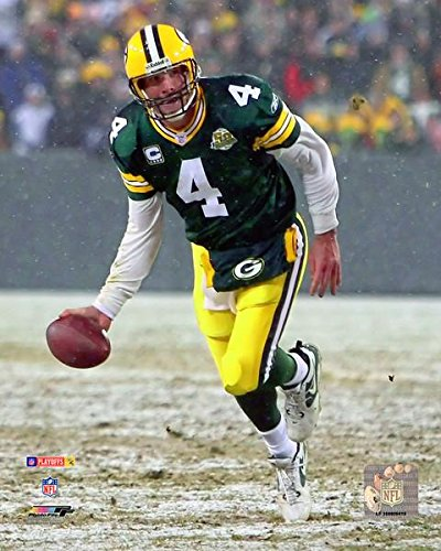 Playoff Games 10 Great - Green Bay Packers Brett Favre Famous Underhand Toss During a Playoff Game 8x10 Photo, Picture