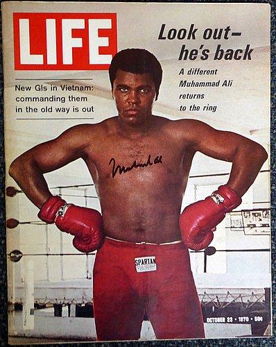 97404f09b16 Muhammad Ali Signed Life Magazine - PSA DNA Authentication - Boxing  Memorabilia at Amazon s Sports Collectibles Store