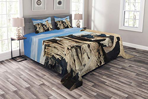 Lohebhuic New Mexico Bedspread Scene of Bisti Badlands Rock Formations Tranquil Vibes Outdoorsy Decorative Quilted 3 Piece Coverlet Set with 2 Pillow ()