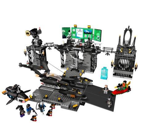 Amazon.com: LEGO Batman - The Batcave: The Penguin and Mr. Freeze's ...