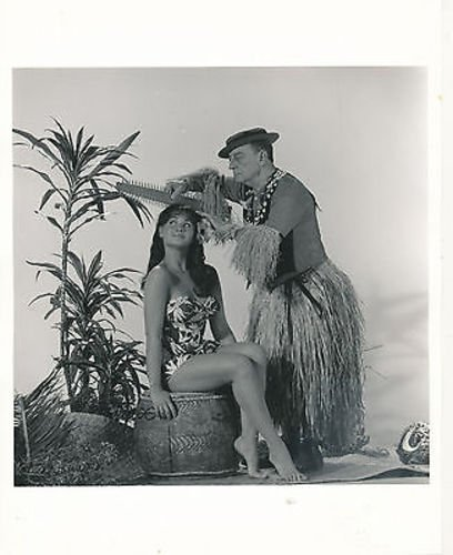 BUSTER KEATON/BOBBI SHAW/HOW TO STUFF A WILD BIKINI/8X10 COPY PHOTO BB3625