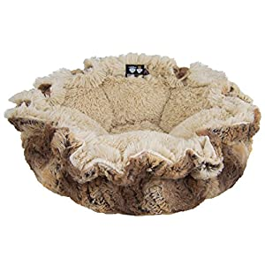 Bessie and Barnie Ultra Plush Simba/Blondie Luxury Shag Deluxe Dog/Pet Cuddle Pod Bed 39