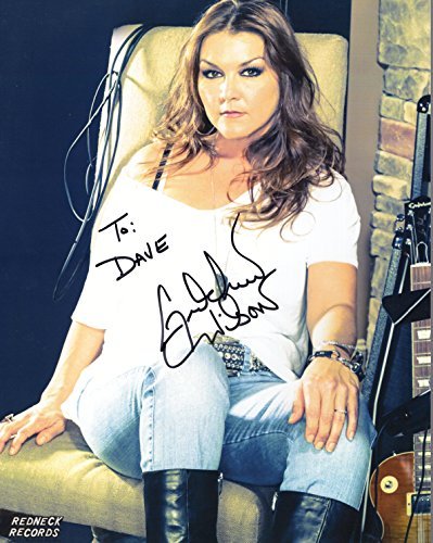 (GRETCHEN WILSON AUTOGRAPHED 8x10 PHOTO+COA SIGNED TO DAVE)