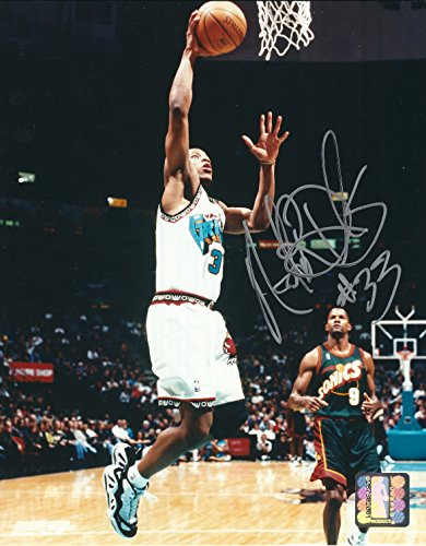 Autographed Antonio Daniels Vancouver Grizzlies 8x10 Photo Daniels Autographed Photo
