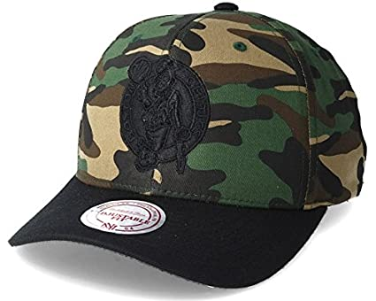fc4174ebac1 Image Unavailable. Image not available for. Colour  Mitchell   Ness Boston  Celtics 110 Flexfit Camo Adjustable