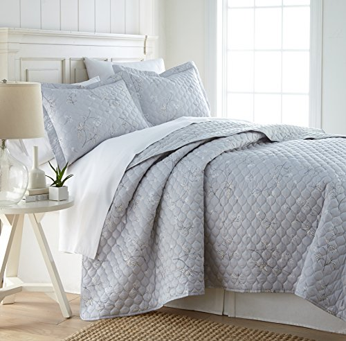 Southshore Fine Linens - BRITEYARN - Myosotis Scorpiodes Print - 300 Thread Count 100% Cotton, 2-Piece Quilt Set, Twin / Twin XL, Grey