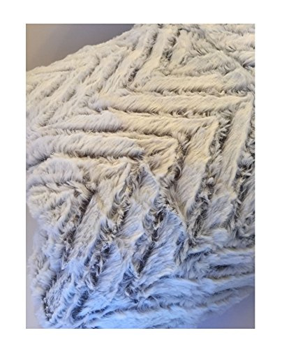 Arctic Trail Luxury Faux Fur Throw Blanket Reversible Plush Extra Light Gray Tb01