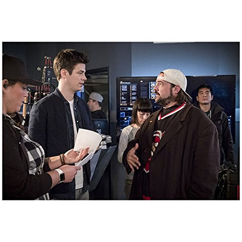 Giving Directions - Kevin Smith 8 inch x 10 inch Photograph The Flash (TV Series 2014 -) Giving Direction to Grant Gustin kn